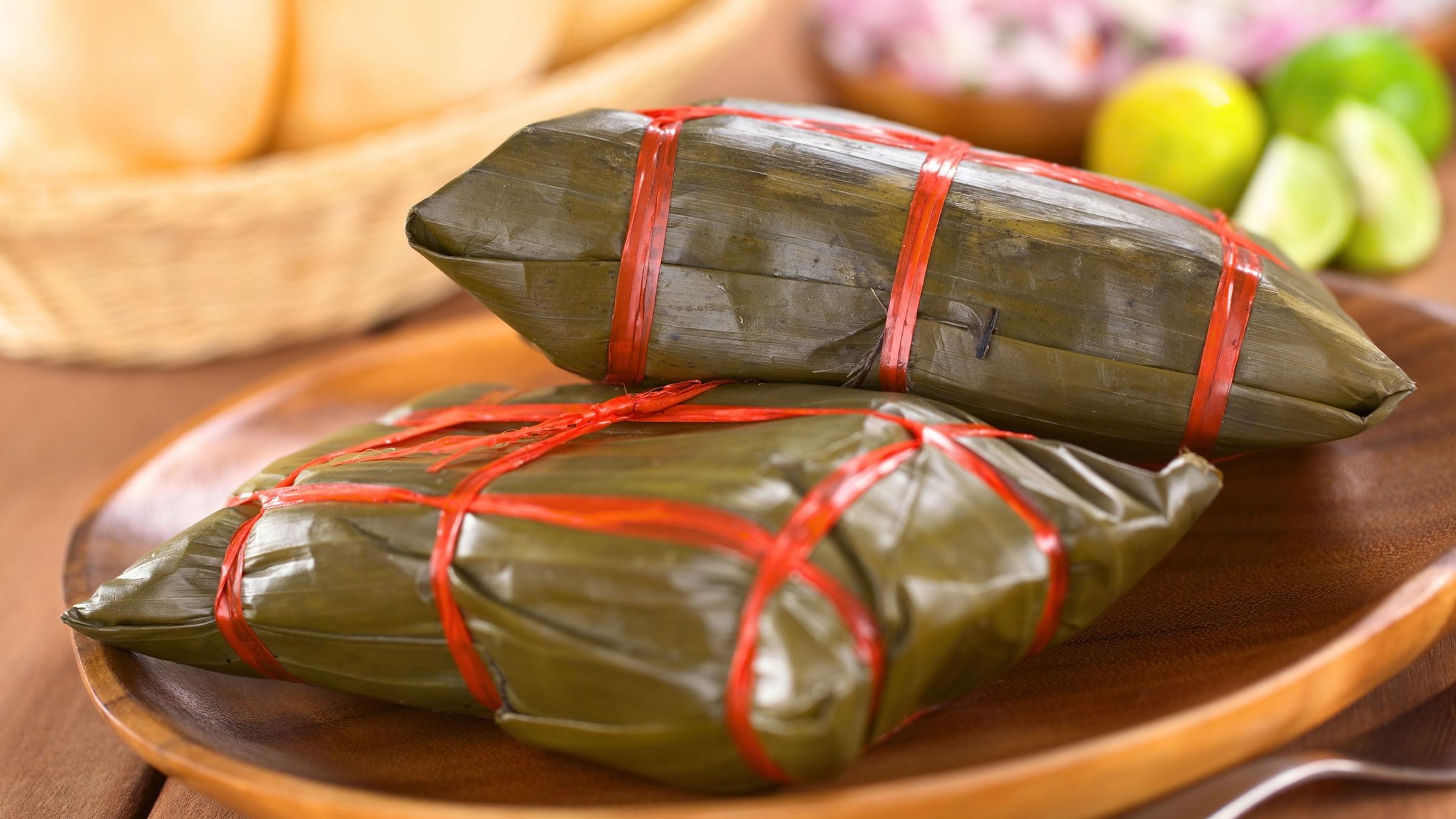 Tamales yucatecos envueltos en hoja de plátano