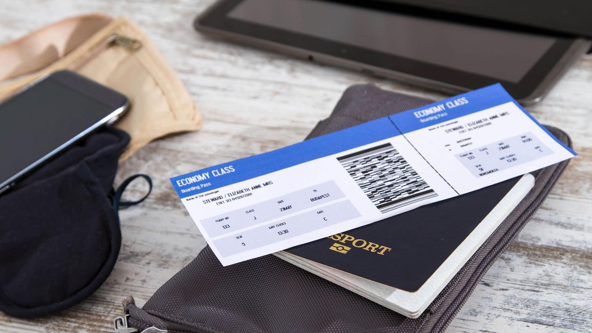 Tarjeta de embarque y documentación necesaria