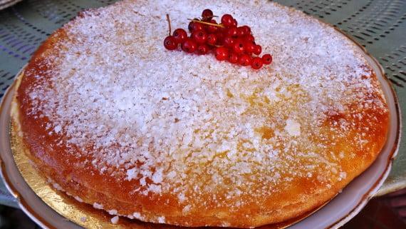 Tropézienne-Kuchen