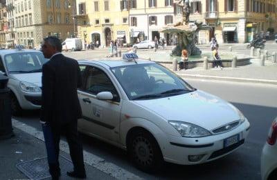 Taxi de Roma
