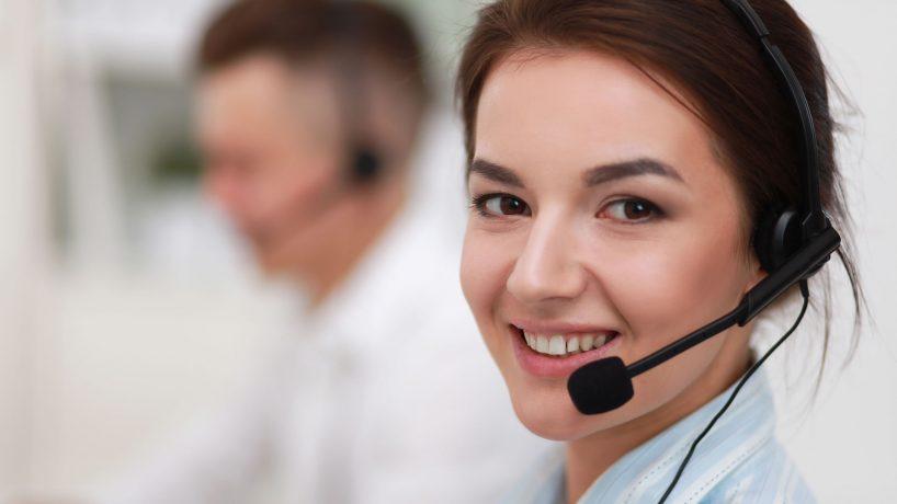 Tel fono y contacto de ryanair en espa a - Telefono de oficina de ryanair ...