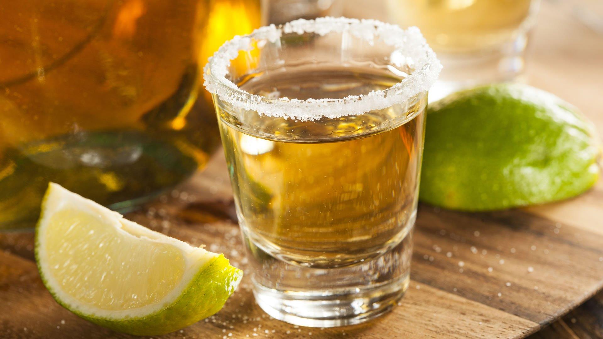 tequila con limón