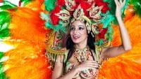 Traje femenino de samba