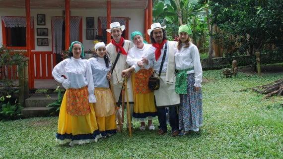 Χαρακτηριστική φορεσιά των Κολομβιανών Άνδεων