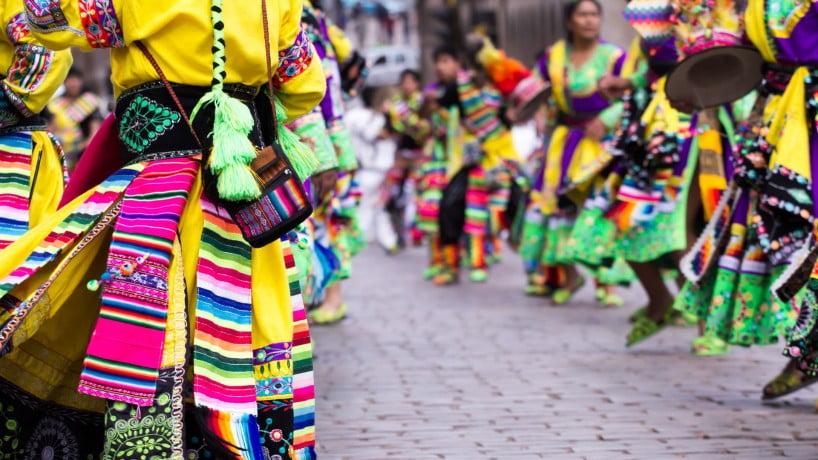 Traje típico de las fiestas de Cuzco, Perú