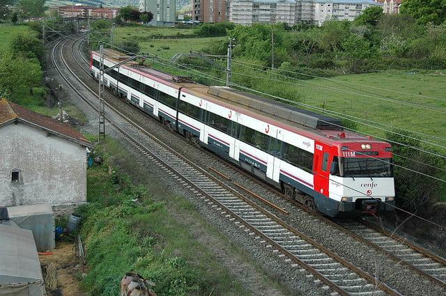 Trenes de cercan as renfe de madrid for Oficinas de renfe en madrid