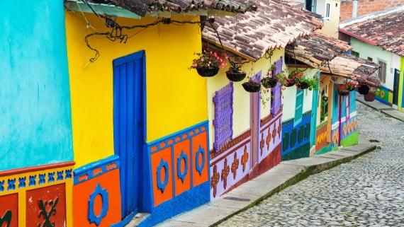 Travel to Colombia for tourist reasons