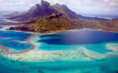 Vista aerea de Bora Bora