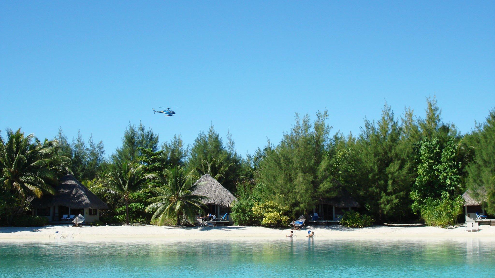 Vista de Bora Bora desde helicóptero