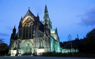 Vista de noche Catedral de Glasgow