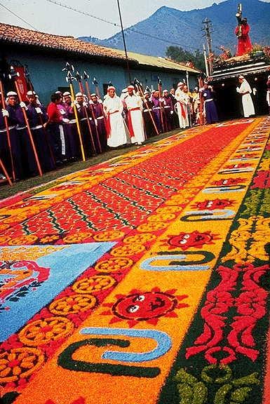 Alfombras de la antigua guatemala for Antigua alfombras