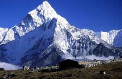 ama-dablam-eastern-nepal