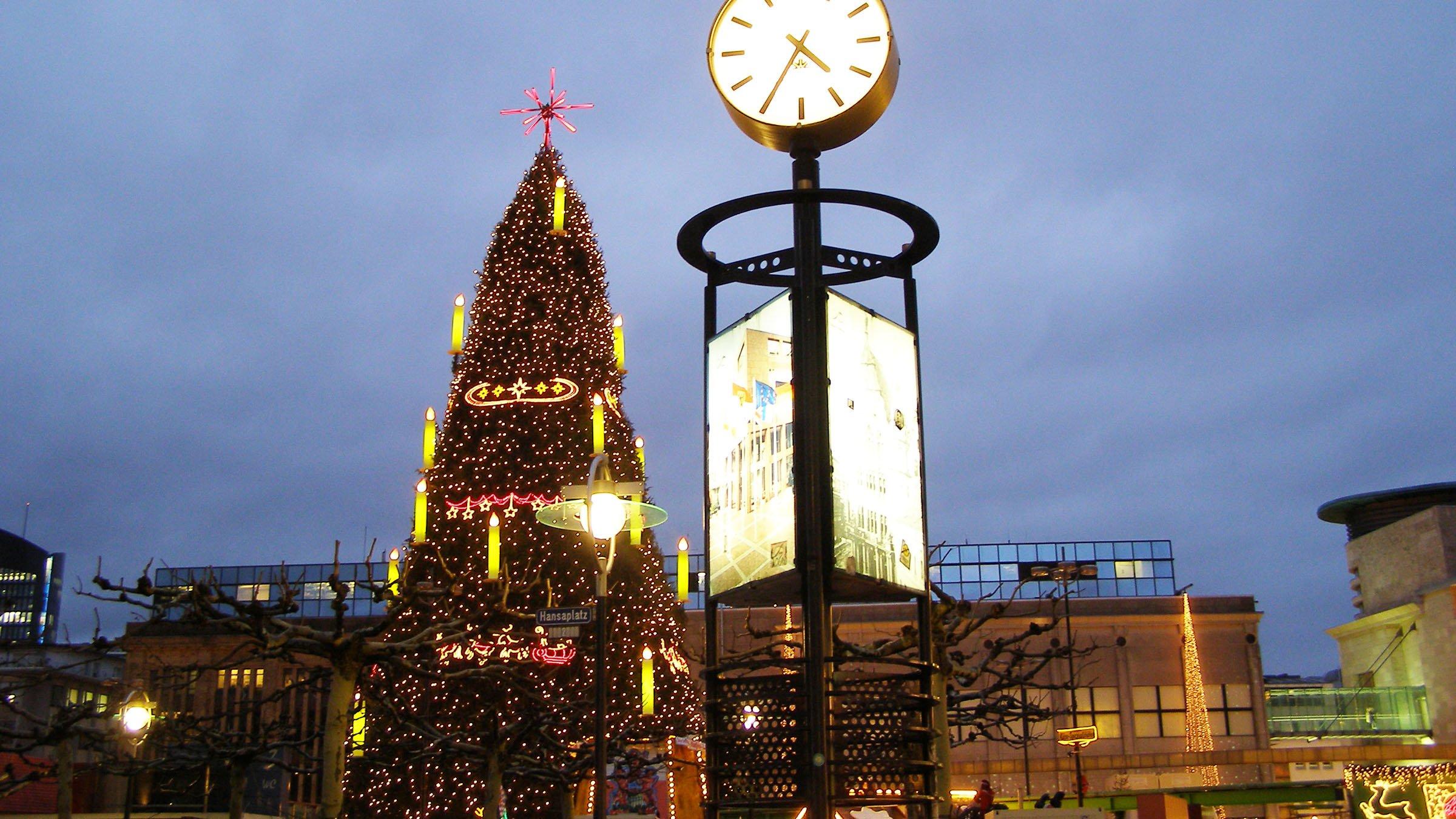 Arbol de navidad de dortmund alemania - Arbol tipico de navidad ...