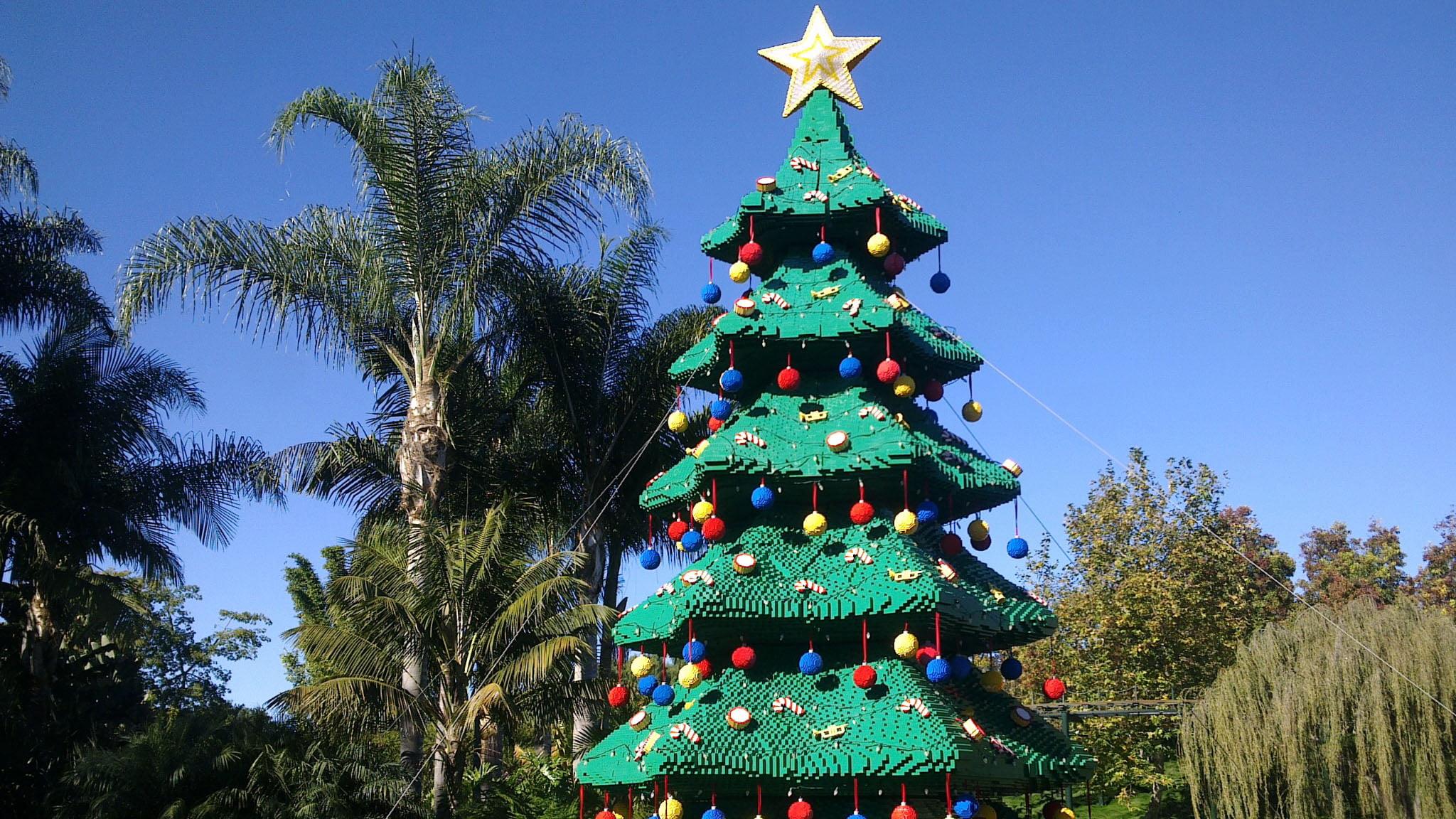 Arbol de navidad fabricado con piezas de lego - Arboles de naviad ...
