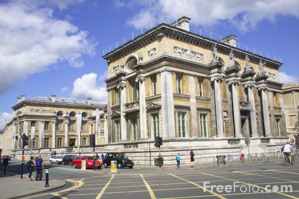 ashmolean-museum-oxford-england