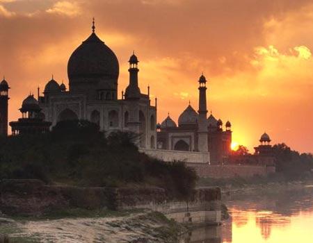 Atardecer en el Taj Mahal, India