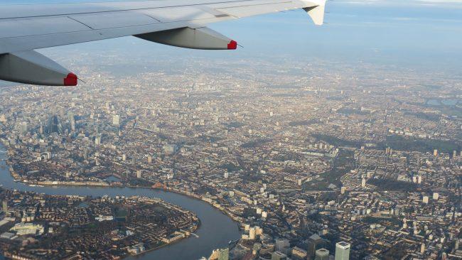 Avión a punto de aterrizar en Londres