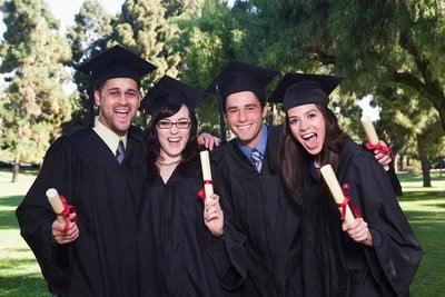 Becas UNESCO graduándose