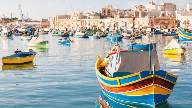 Botes de pesca típicos de Marsaxlokk, Malta