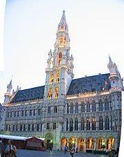 bruselas-ayuntamiento-en-la-gran-plaza