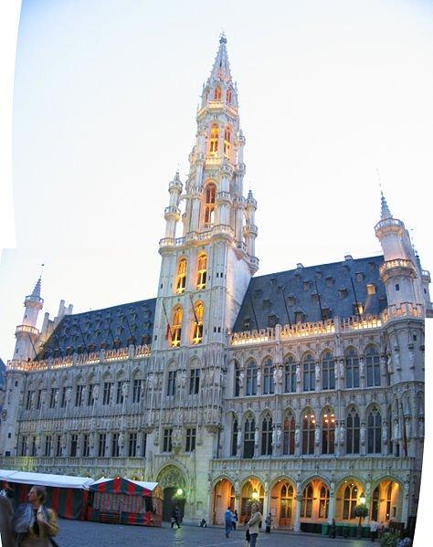 bruselas ayuntamiento en la gran plaza