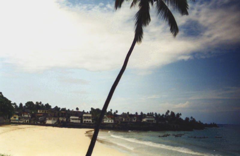 capital de Comores playa de Moroni
