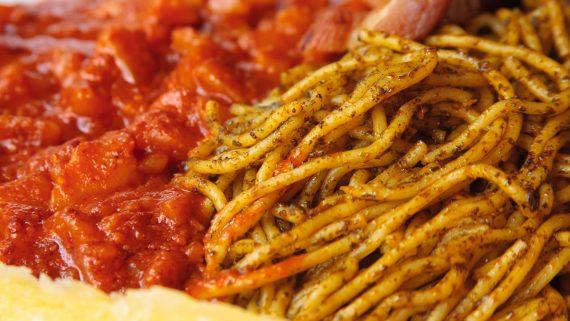 Carapulcra y sopa seca chinchana