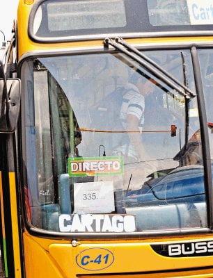 Autobús público interurbano.