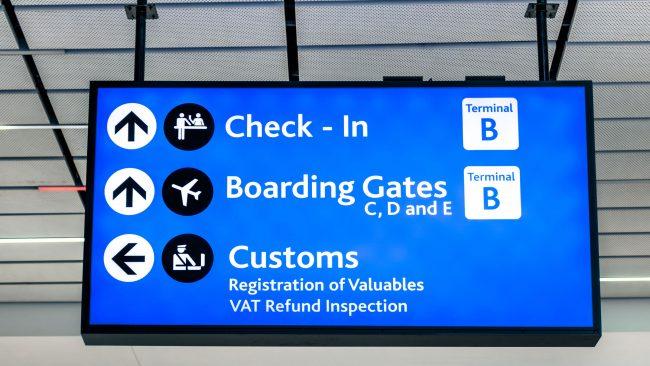 Control aduaneiro no aeroporto de Nova York