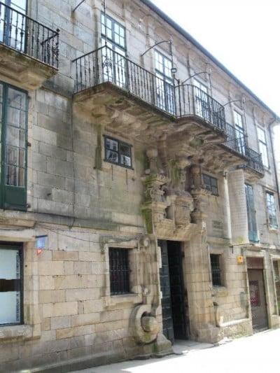 La casa de de n santiago de compostela for Oficina de turismo de santiago de compostela