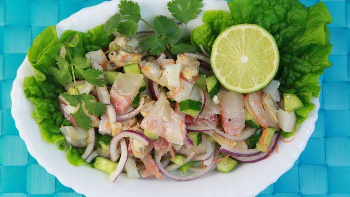 Ceviche de pescado típico en Latinoamérica