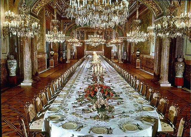 Palais royal palacio real bruselas for Como e dining room em portugues