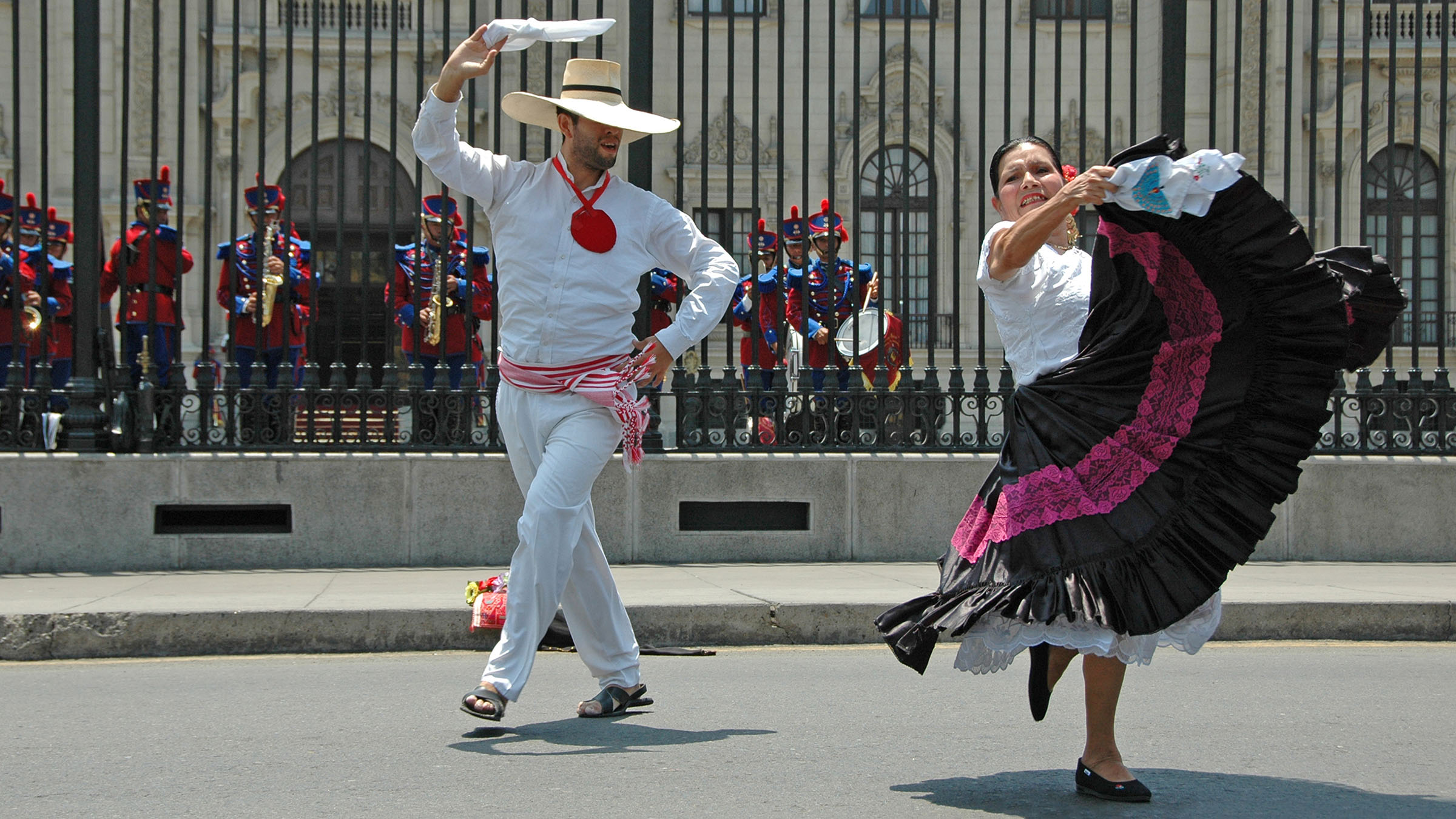 costumbres del Perú la Marinera