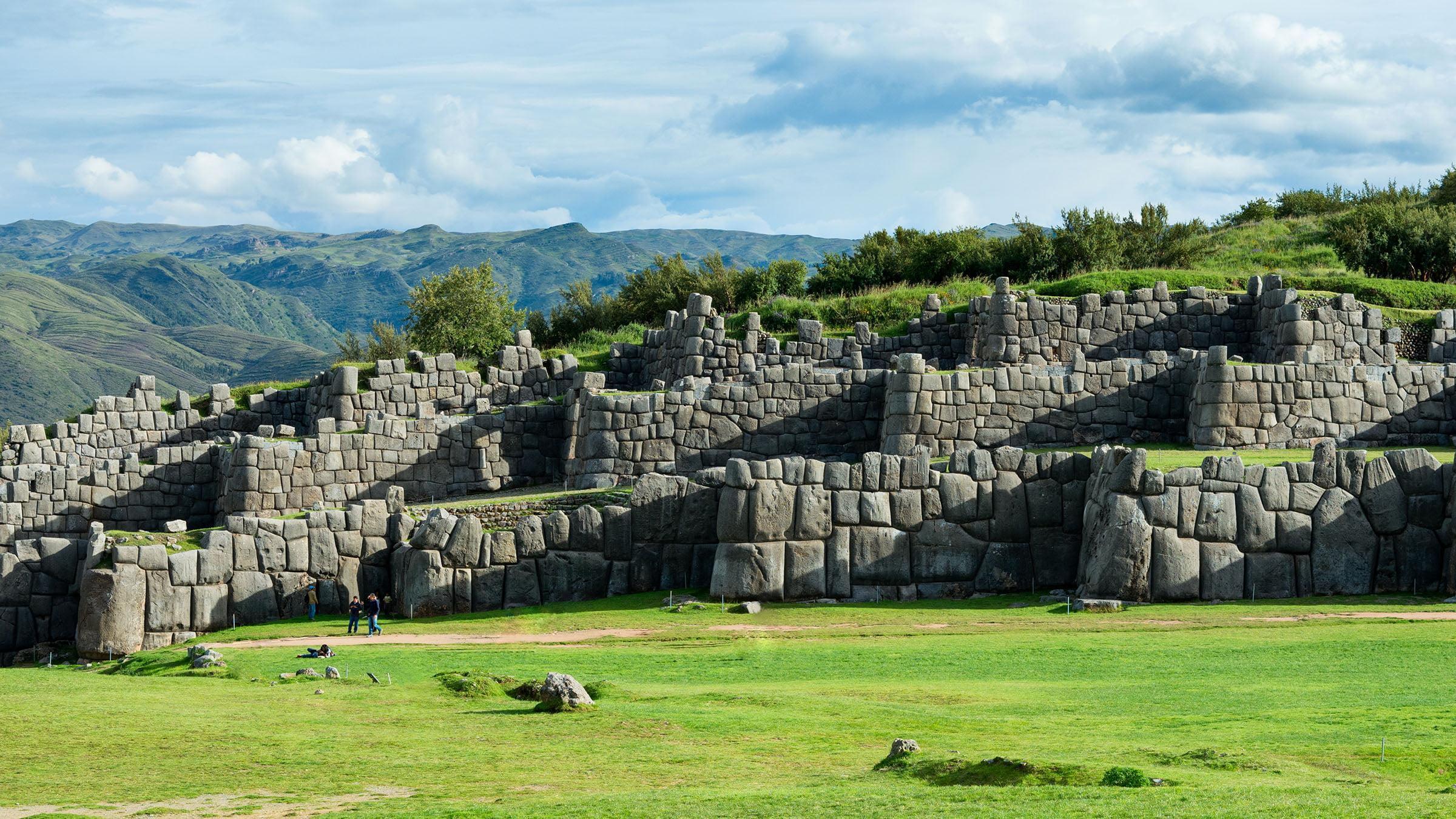 costumbres del Perú Sacsayhuaman