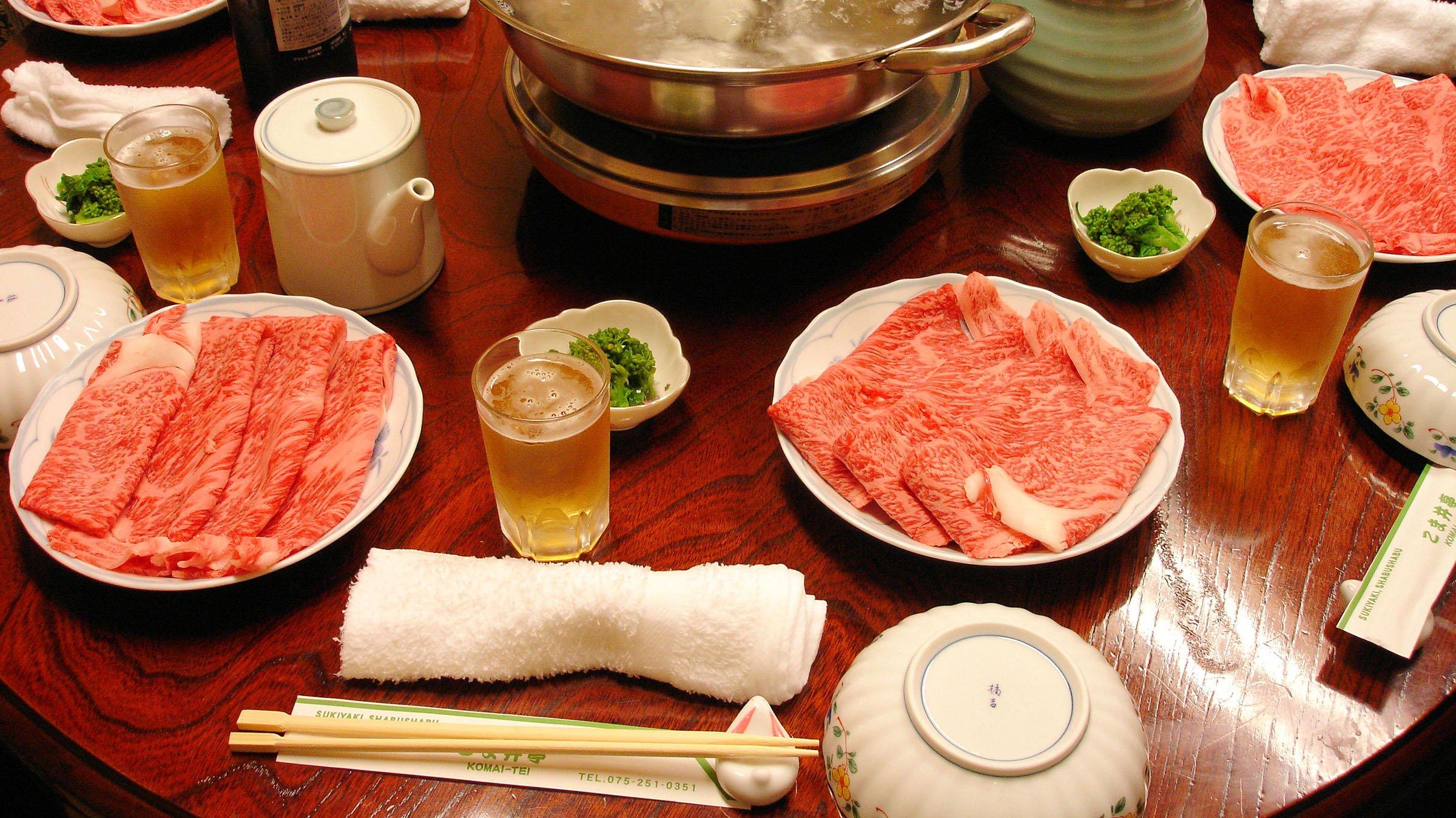 costumbres orientales en la mesa