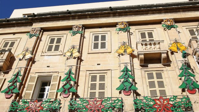 Decoración navideña en las calles de La Valeta, Malta