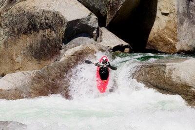 Descenso kayak con cuidado