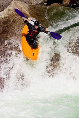 Descenso kayak rapidos