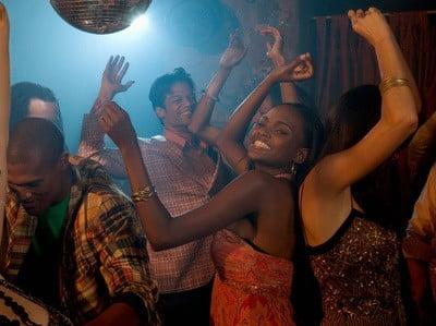 Discotecas en Alicante bailando