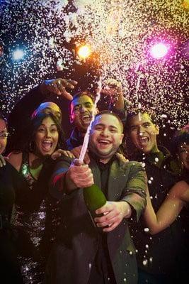 Discotecas Latinas celebrando