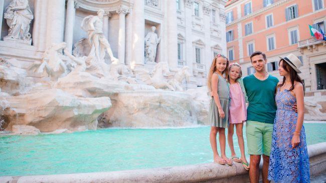 Genießen Sie als Familie die Sehenswürdigkeiten Roms