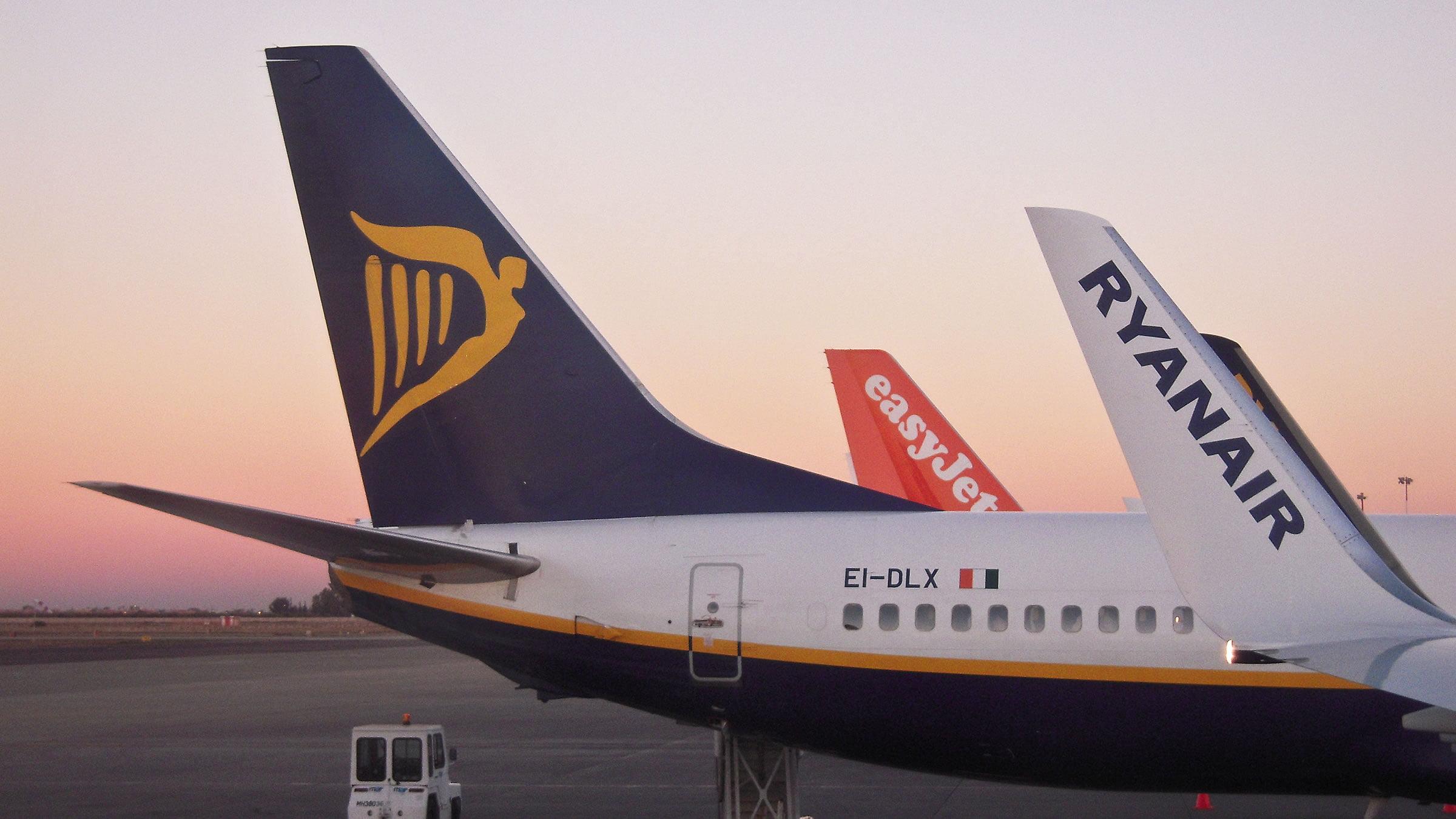 Easyjet vs ryanair for Vuelos de barcelona a paris low cost