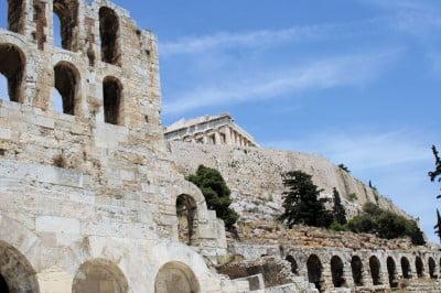 Edificios de Acropólis en Atenas