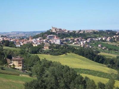 el-castillo-de-montappone-italia