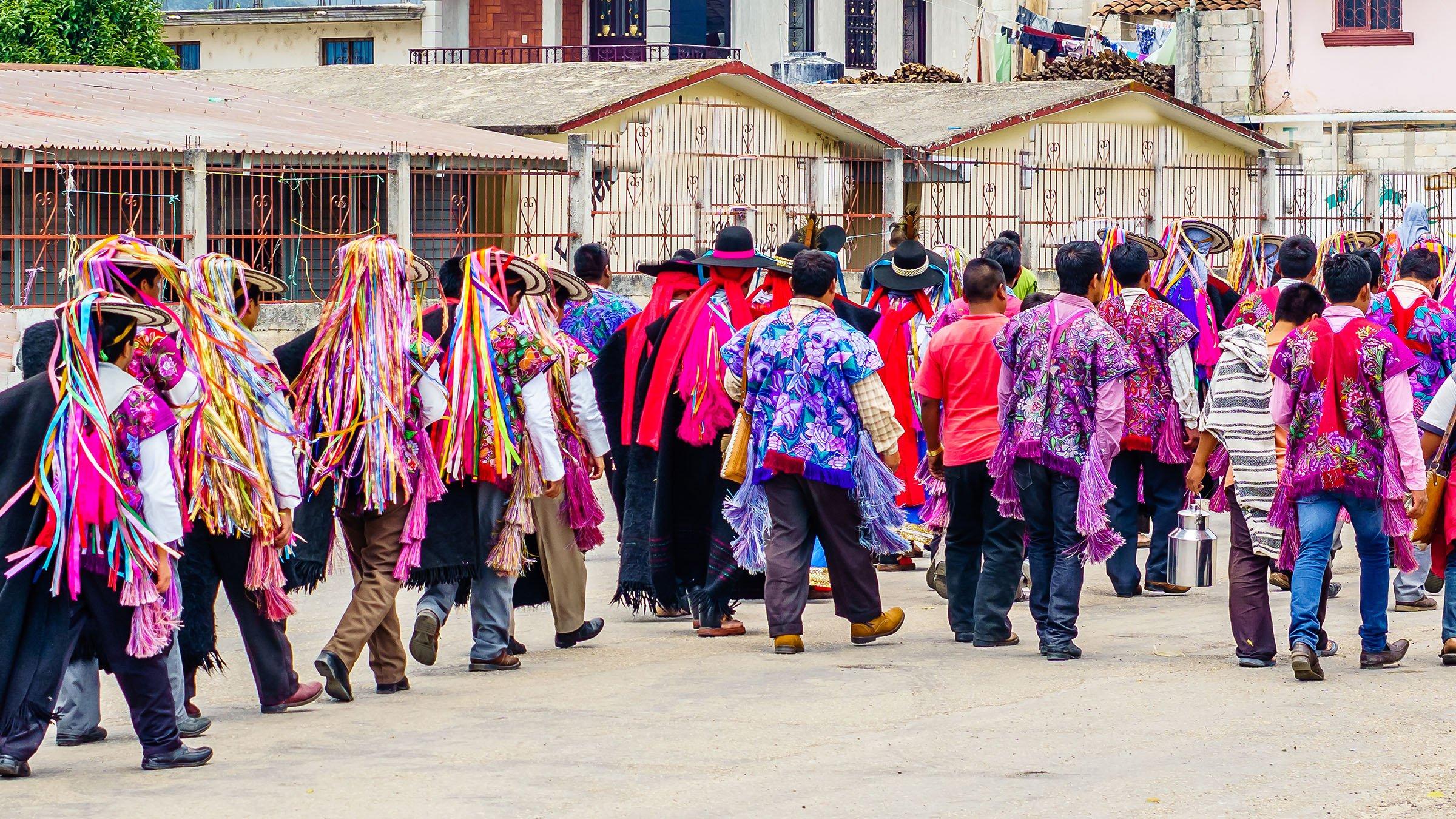 55372ae574 El colorido de los trajes típicos de Chiapas