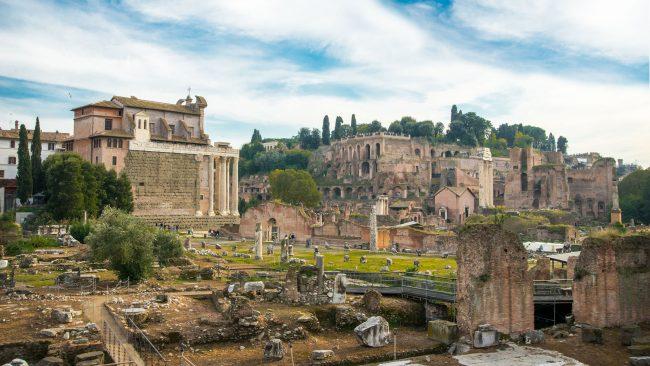 Das Forum von Rom: Zeugnis der Größe des Römischen Reiches