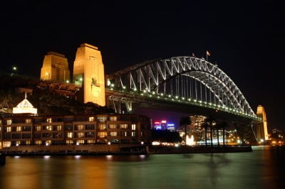 El Harbour Bridge en la noche