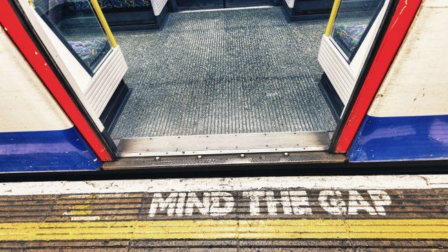 El metro de Londres y su famosa advertencia