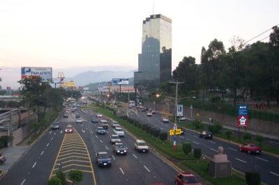 El Salvador boulevar de los próceres
