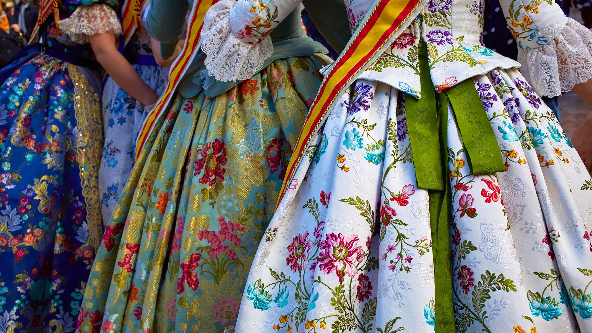 477f1c4b8 Los trajes típicos de España por comunidades autónomas